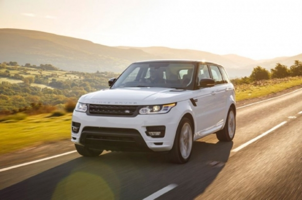 2014-Range-Rover-Sport-front-three-quarter-in-motion