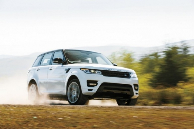 2014-Range-Rover-Sport-front-three-quarter0in-motion