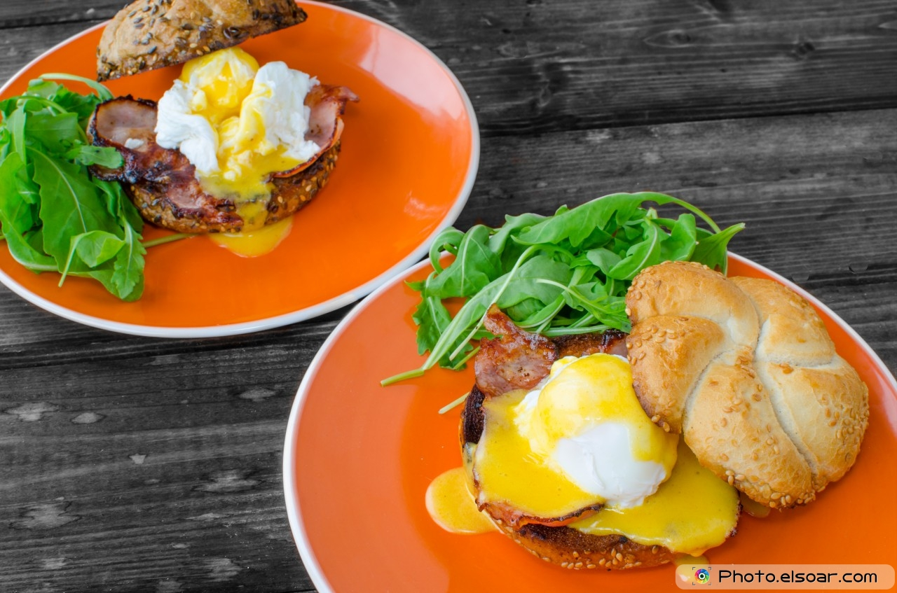 English Muffin, Eggs Benedict
