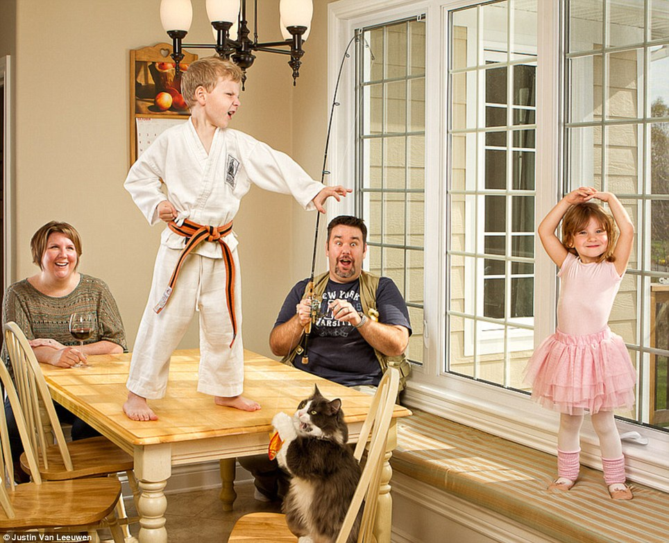 Hilarious Family Photographs by Justin Van Leeuwen 9 Hilarious Family Photographs by Justin Van Leeuwen