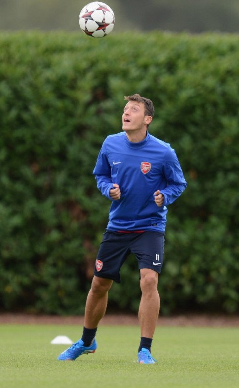 Mesut Ozil Arsenal Photo 2