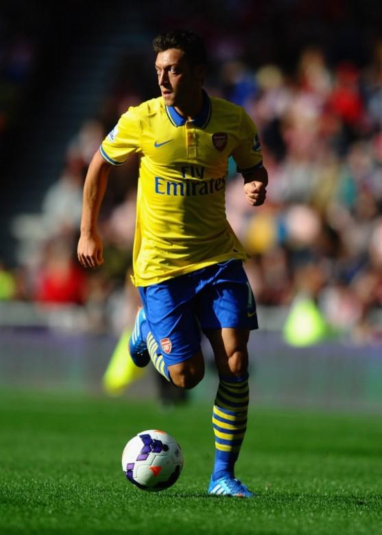 Mesut Ozil Arsenal Photo 4
