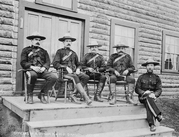 A group of members of the Royal Canadian Mounted Police in 1900