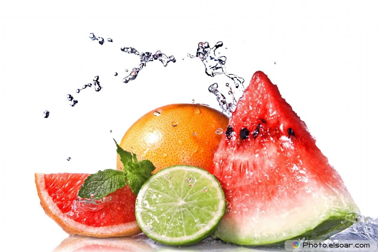 Water splash on fresh fruits