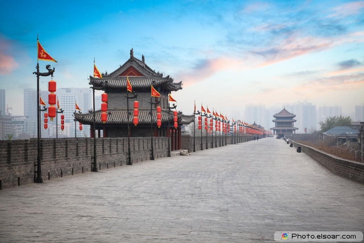 Xi'an ancient city wall at dusk