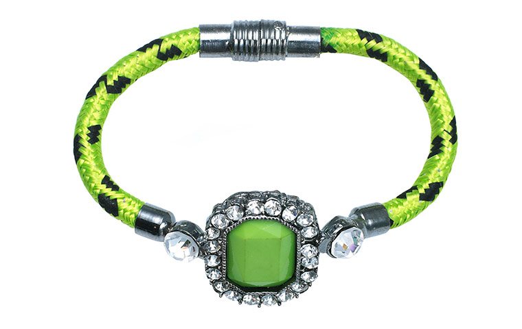 green bracelet diamante