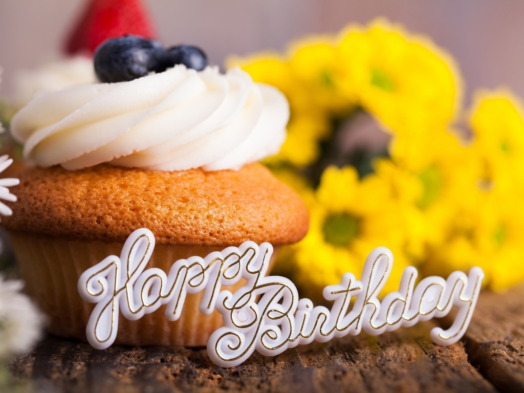 Happy Birthday Flower Cake Bouquet - comousar